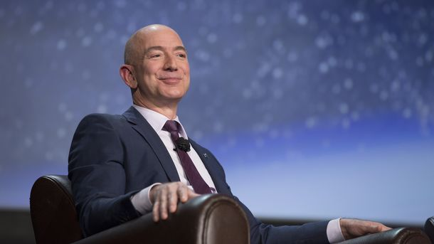 Amazon's Bezos Does Best in Survey