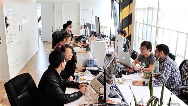 China's Problem: Entrepreneurs Still Love Silicon Valley