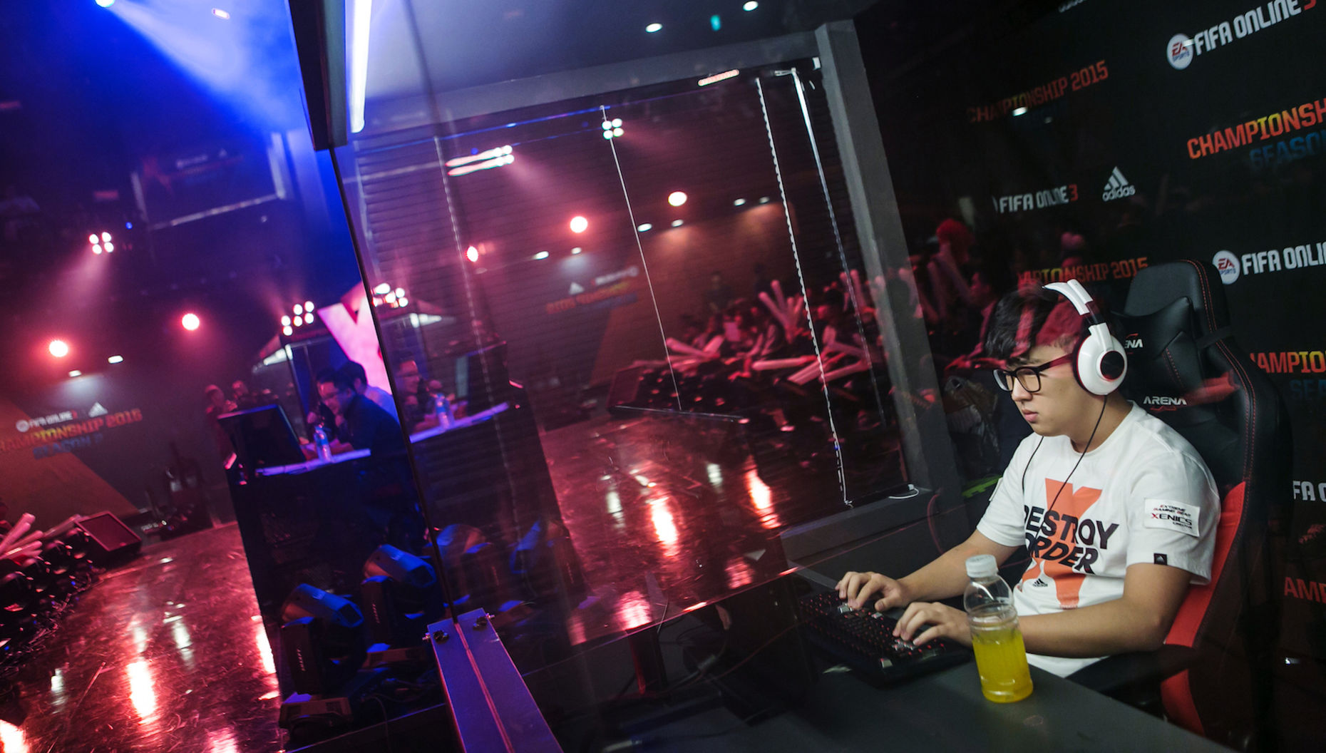 A professional videogamer at a live championship in South Korea. Photo by Bloomberg.
