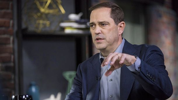 Cisco Moving to Break Apart Networking Software from Hardware