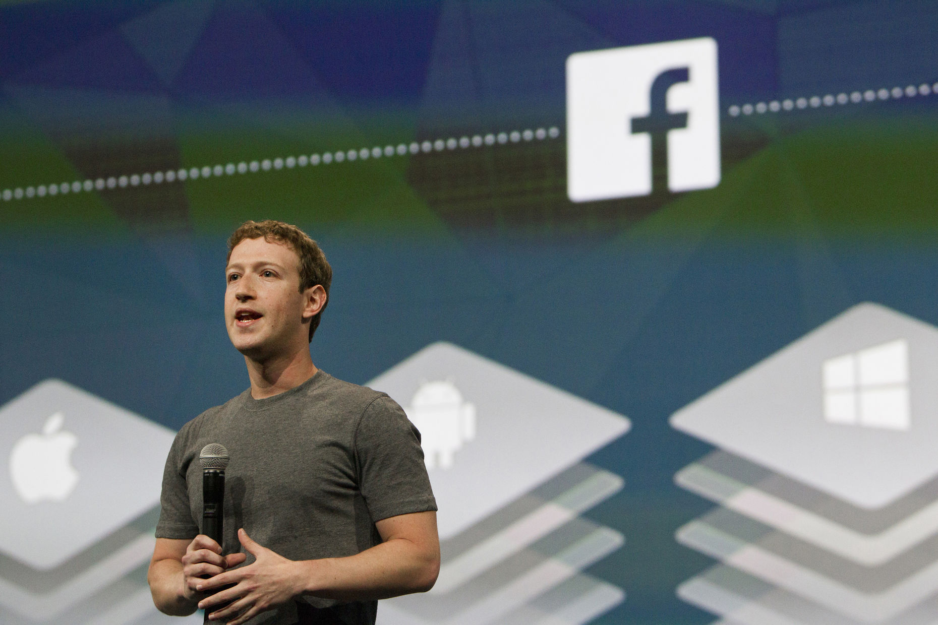 Facebook CEO Mark Zuckerberg addresses the F8 conference. Photo by Bloomberg.