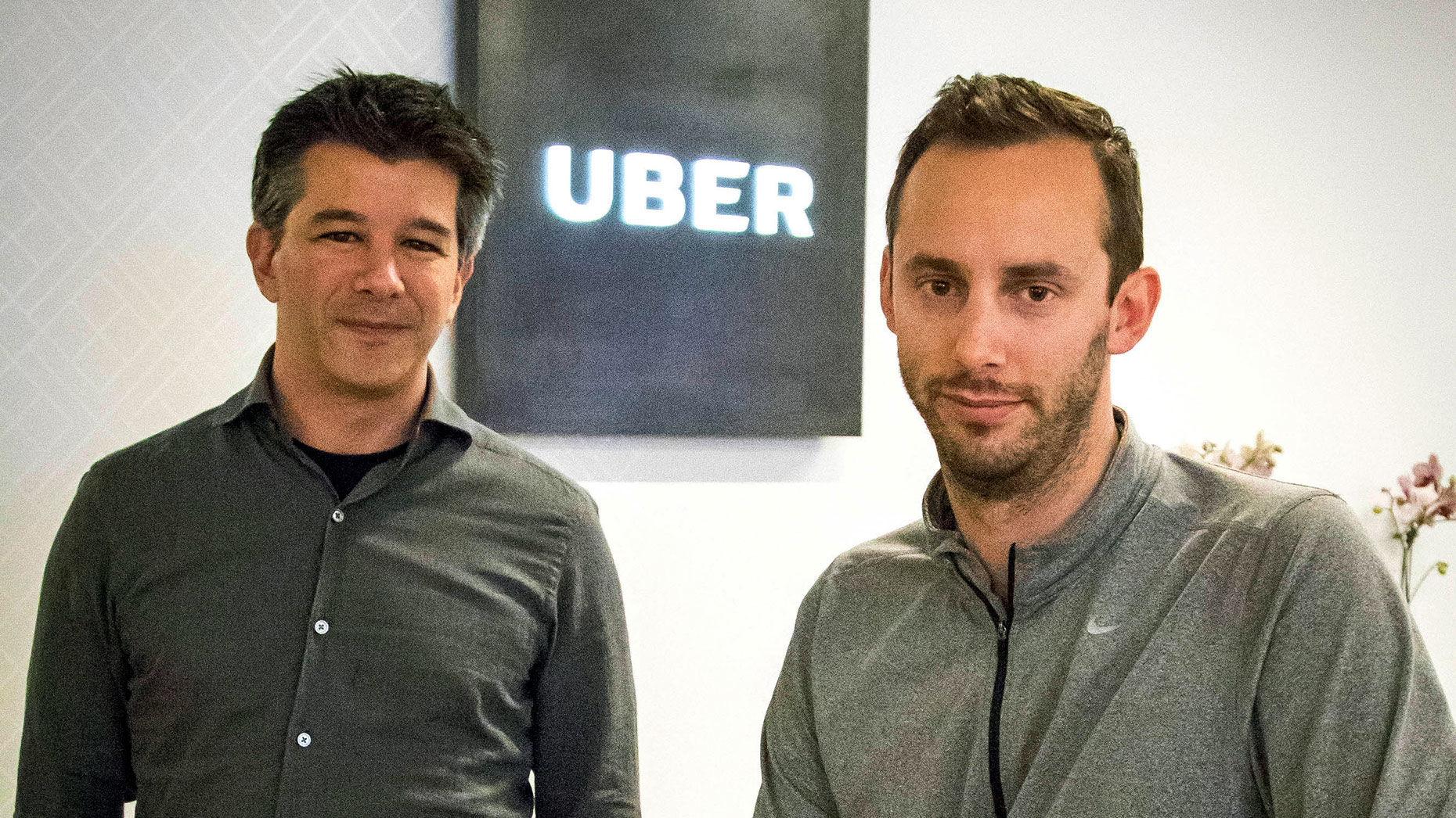 Former Uber CEO Travis Kalanick, left, with Anthony Levandowski, in 2016. Photo: AP