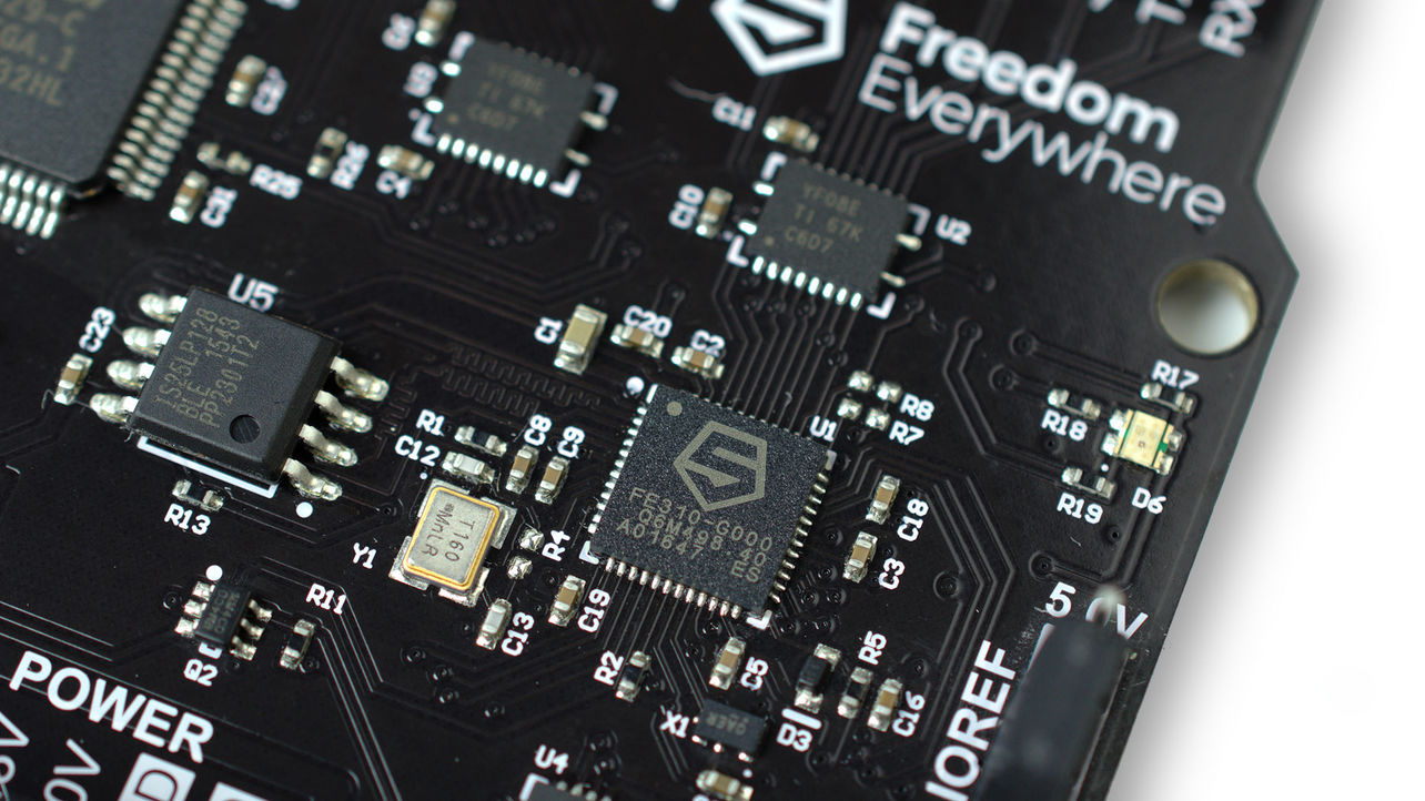 Google, Tesla Get Behind Challenge to Arm Chip Design