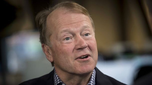 How John Chambers Looks at Deals