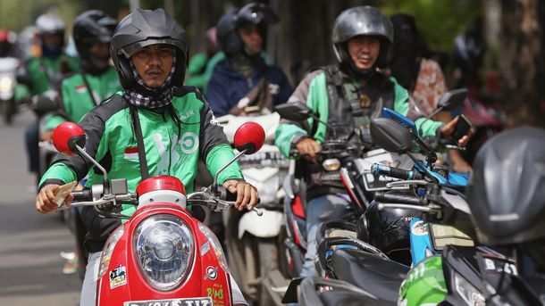 Go-Jek in Talks to Raise $1.5B to Challenge Grab in Southeast Asia