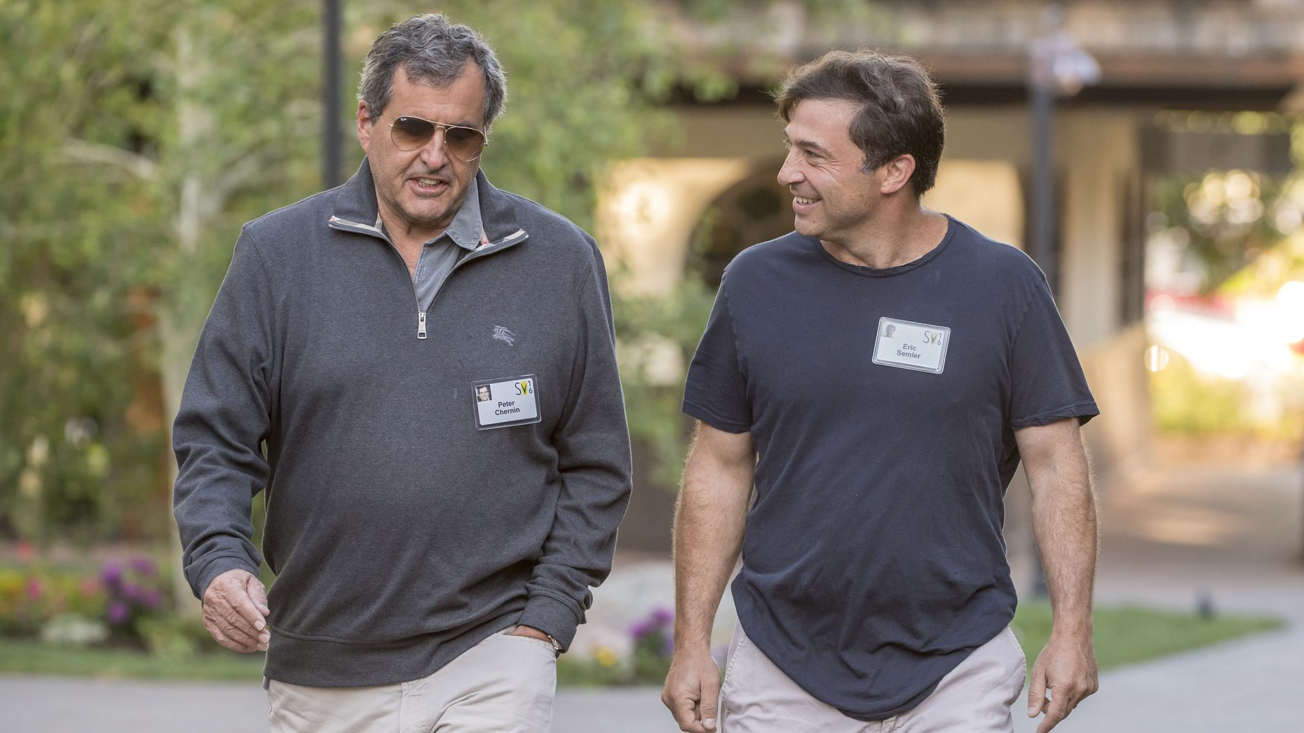 Peter Chernin, left, with investor Eric Semler at the Allen & Co Sun Valley conference in 2016. Photo by Bloomberg
