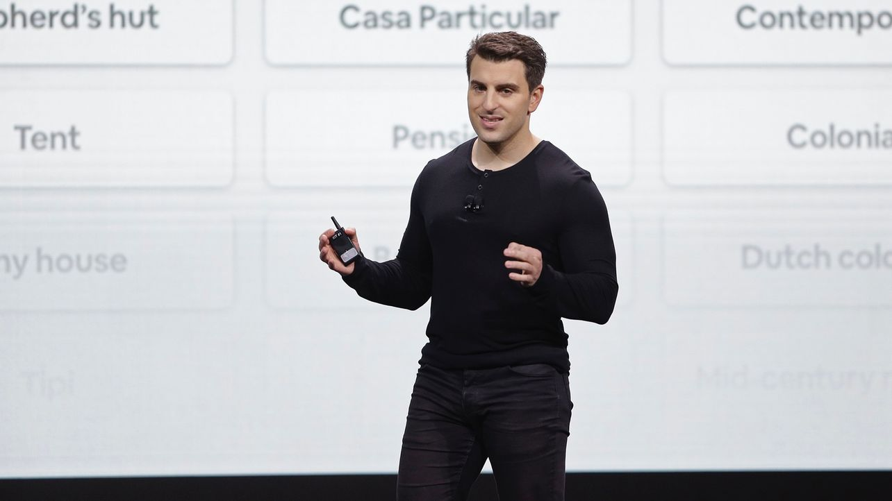 Airbnb Promises More Cash for Employees, Plots IPO by 2020