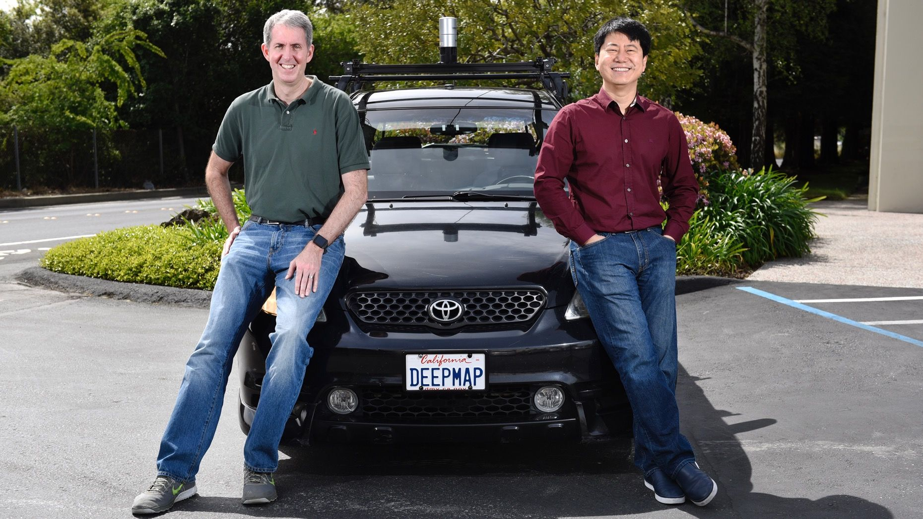 DeepMap co-founders Mark Wheeler, left, and James Wu. Photo: Bloomberg