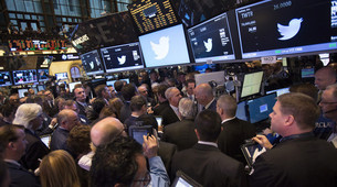 Scarcity of Shares Driving Internet Stocks Higher