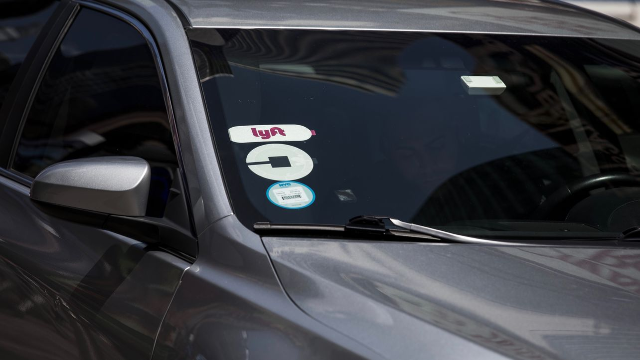 Lyft Kicks Off Price War With Uber Ahead of IPOs