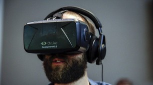 Facebook in Talks with Hollywood on 'Oculus Experiences'
