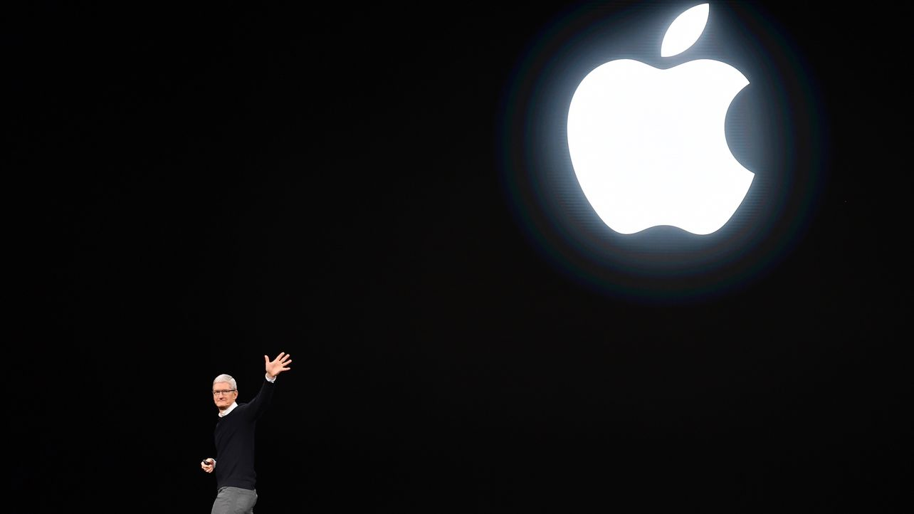 Apple Slashed Amazon Cloud Spending 50 Percent in Bid for Self-Sufficiency