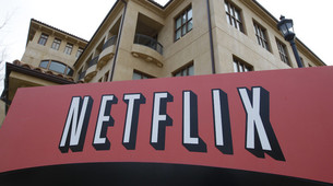 Netflix Reverses Stock Option Policy in Hunt for Talent