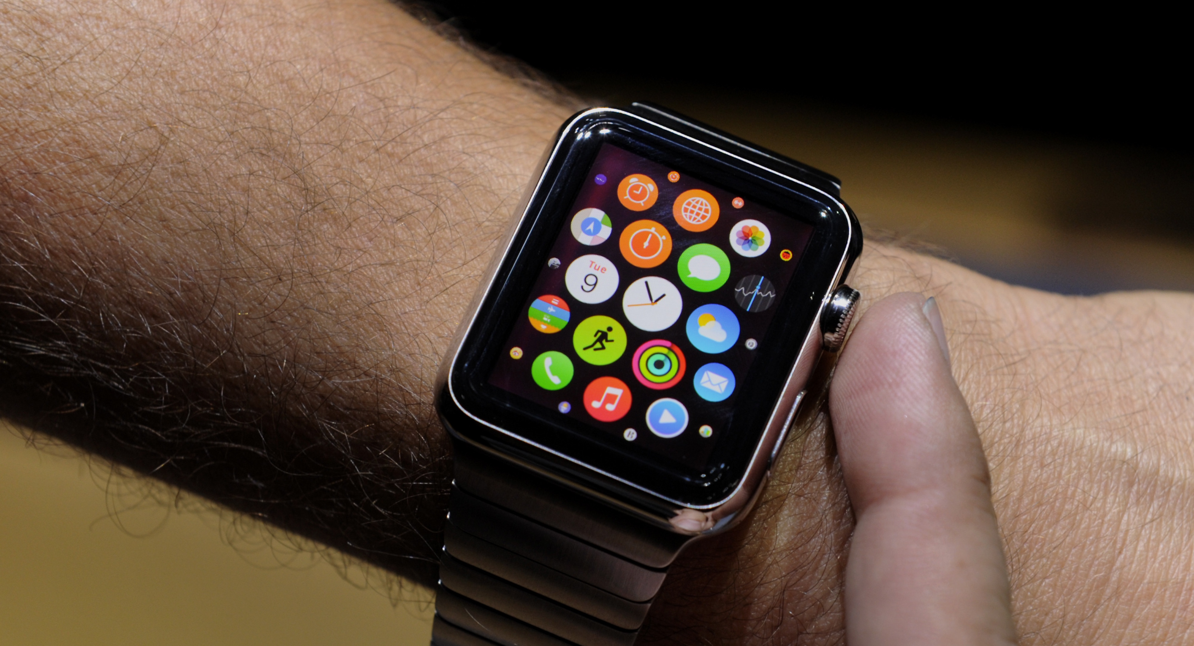 Apple's Smartwatch Faces Hurdles With Health Sensors — The ...